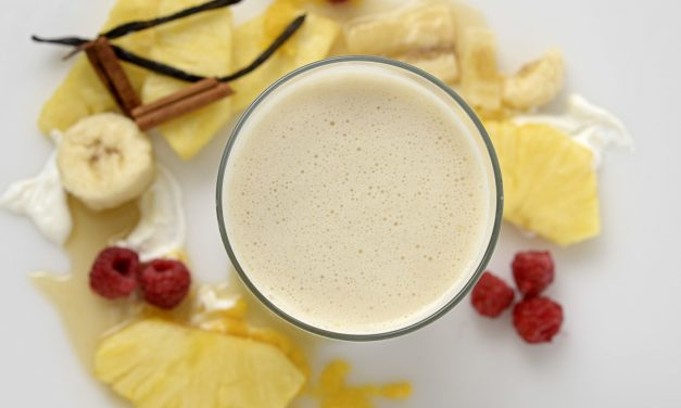 PINEAPPLE NON-FAT YOGURT SMOOTHIE