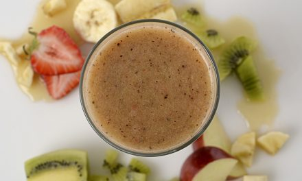 STRAWBERRY KIWI MORNING SMOOTHIE